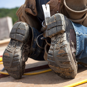 THE RIGHT SAFETY WORK BOOTS FOR THE JOB